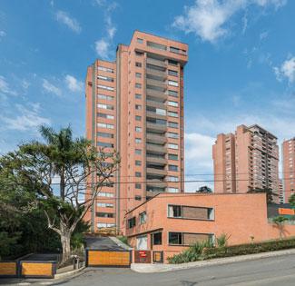 fachada lista del proyecto ejecutado Dos Maderos de Crear Cimientos