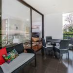 Balcon en Mondrian apartamentos de Crear Cimientos en Medellin